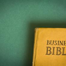 Business Bible, Siarhei Tolak / Shutterstock.com