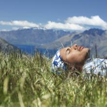 Man resting in creation, bikeriderlondon / Shutterstock.com