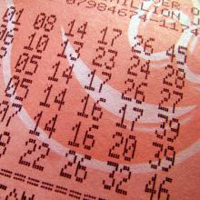Photo: Lottery ticket, © Sean Gladwell / Shutterstock.com
