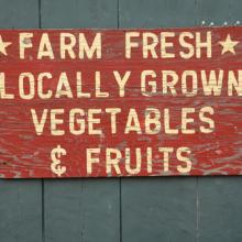 Farm Fresh vegetables & fruits sign, Andre Blais / Shutterstock.com