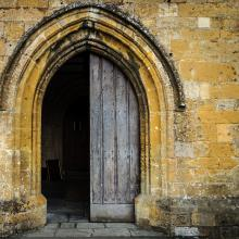Open church door, Dutourdumonde Photography / Shutterstock.com