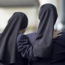 Sisters, javarman / Shutterstock.com