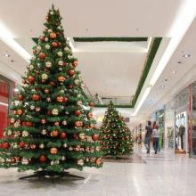 Photo: Christmas consumerism illustration, © pryzmat / Shutterstock.com