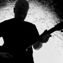 Guitar player, Markku Vitikainen / Shutterstock.com