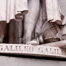Galileo sculpture, Michael Avory / Shutterstock.com