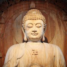 Golden Buddha statue | zhu difeng, Shutterstock.com