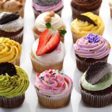 Colorful cupcakes, Dan Peretz, Shutterstock.com