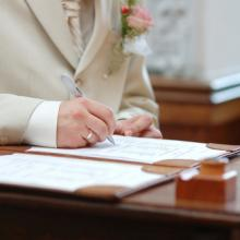 Photo: Marriage license, © MNStudio / Shutterstock.com