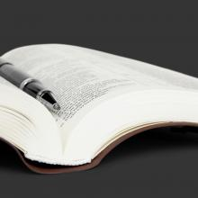 Bible photo, Roberts/Shutterstock.com