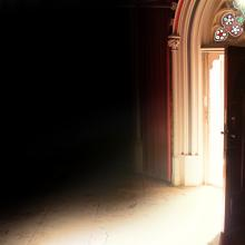 Opened church door, Benjamin Haas, Shutterstock.com