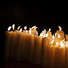 Church candles, Hitdelight / Shutterstock.com