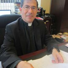 Rev. Frank Pavone, RNS photo by David Gibson
